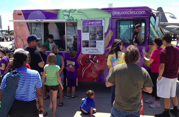 food-truck-serving-at-barksdale